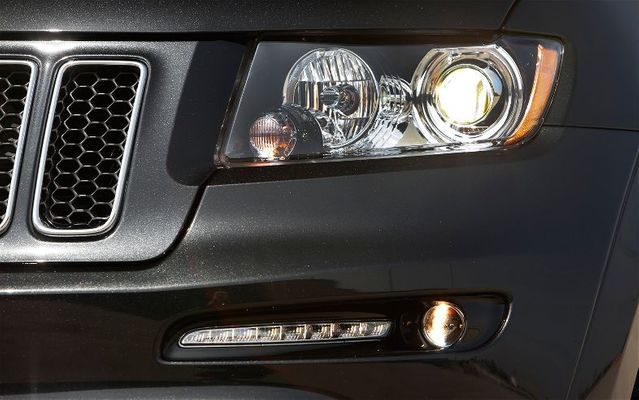 2012-2013 SRT8 Black Bi-Xenon HID Headlamps