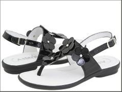 Aster Shoes Adorable Black Patent Leather Sandals w/Flowers 7 10