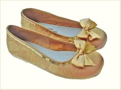 Coastal Projections Shoes Gold Ballerina Shoes w/Bow & Sequins 4 2Yth