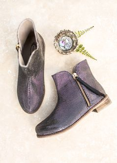 Joyfolie Adorable Sparkly Kaitlin Booties in Black & Silver  6Yth