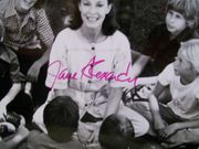 Alexander, Jane Photo Signed Autograph A Circle Of Children 1980
