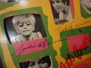 Laugh In, Laugh-In Laugh Laugh-In Dan Rowan Dick Martin Artie Johnson Joanne Worley Ruth Buzzi Goldie Hawn Henry Gibson Judy Carne Gary Owens Larry Hovis 1968 LP Signed Autograph Photos Laugh In Laugh In