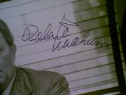 Mitchum, Robert  1973 Photo The Friends Of Eddie Coyle Signed Autograph Movie Scene With Byline