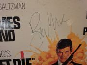 Moore, Roger Live And Let Die 1973 LP Signed Autograph Theme James Bond 007