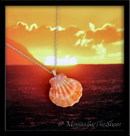 Jumbo Juicy Tangerine Hawaiian Sunrise Shell Gold Necklace