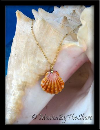 Juicy Peach and Pink Hawaiian Sunrise Shell Gold Chain Necklace