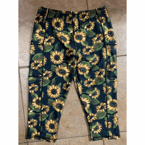 Double Pocket Capris Sunflower