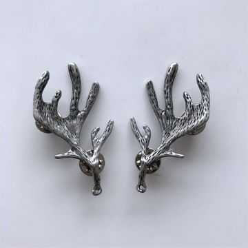 New Vintage Style Silver Plated Deer Long Horn Collar Tip Brooch