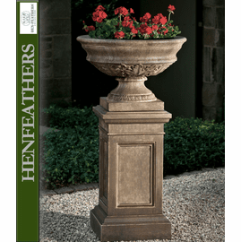 Carriage House Urn