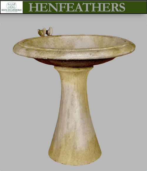 Fluid Birdbath with Birds {USA}n