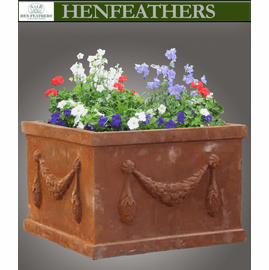 Grand Garland Box Planter {USA}n
