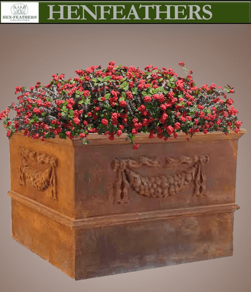 Grand Garland Square Planter {USA}n