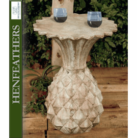 Welcome Pineapple Drinks Table