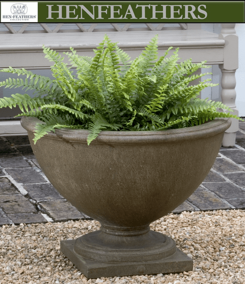 Williamsburg Bassett Hall Urn