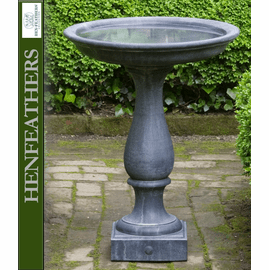 Williamsburg Candlestand Birdbath