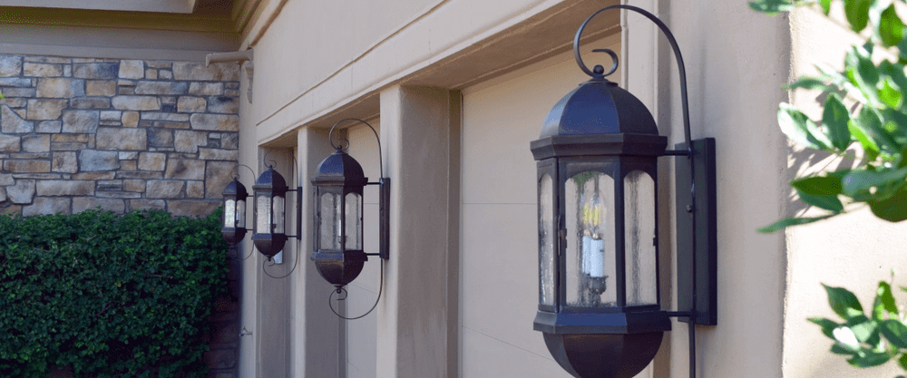Landon Sr. Lantern Wall Light with Bracket | Chandler, Arizona