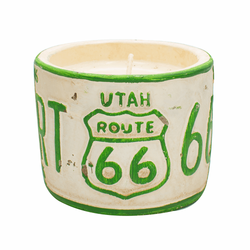 "Vanilla Pound Cake American Highway ""Utah"" Round License Plate Pot Swan Creek Candle"