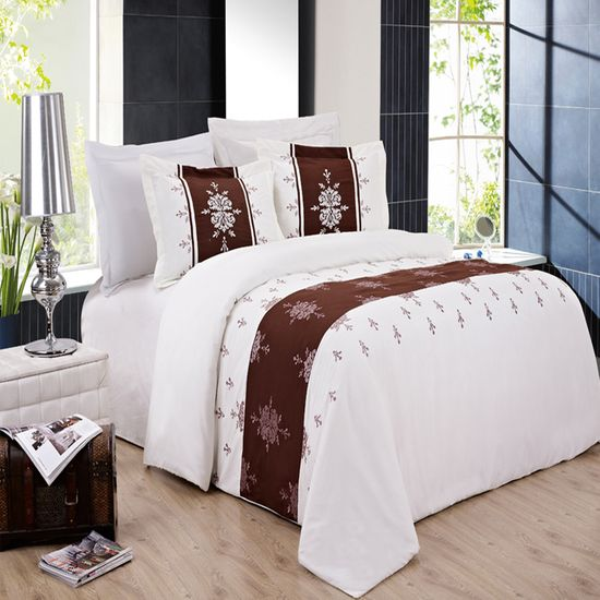 Eleanor Embroidered 3-Piece Duvet Cover Set