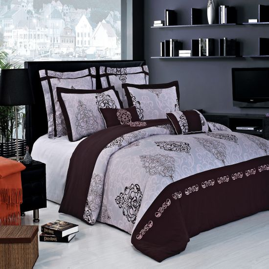Gizelle 100% Egyptian Cotton Embroidered 7pc Duvet cover Set