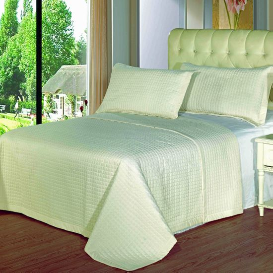Luxury Ivory Checkered Quilted Wrinkle Free Microfiber 3 Piece Coverlet Set