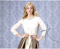 Abby Elliott Signed 8x10 Photo - Video Proof