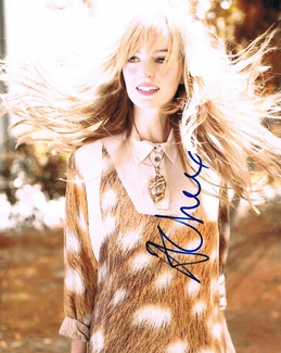 Ahna O'Reilly Signed 8x10 Photo - Video Proof