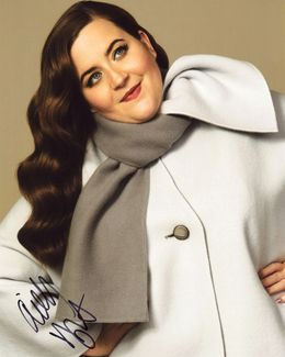 Aidy Bryant Signed 8x10 Photo