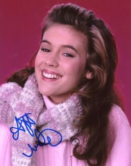 Alyssa Milano Signed 8x10 Photo