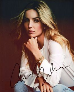 Annabelle Wallis Signed 8x10 Photo
