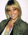 Ari Graynor Signed 8x10 Photo