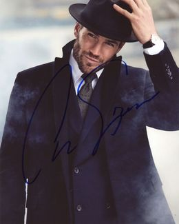 Austin Stowell Signed 8x10 Photo - Video Proof