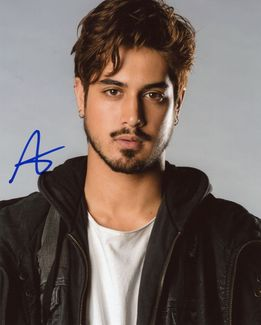 Avan Jogia Signed 8x10 Photo