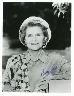 Betty Ford Signed 8x10 Photo