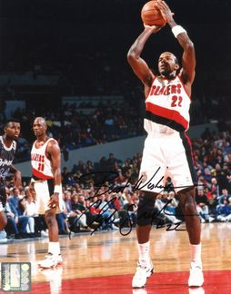 Clyde Drexler Signed 8x10 Photo