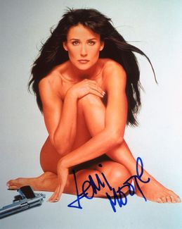 Demi Moore Signed 8x10 Photo - Video Proof