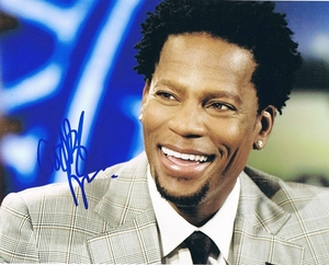 DL Hughley Signed 8x10 Photo