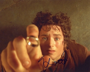 Elijah Wood Signed 8x10 Photo