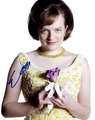 Elisabeth Moss Signed 8x10 Photo