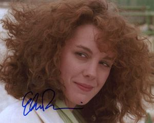 Elizabeth Perkins Signed 8x10 Photo