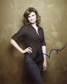 Emily Deschanel Signed 8x10 Photo