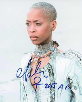 Erykah Badu Signed 8x10 Photo