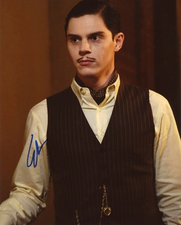 Evan Peters Signed 8x10 Photo - Video Proof