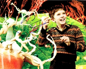 Freddie Highmore Signed 8x10 Photo - Video Proof