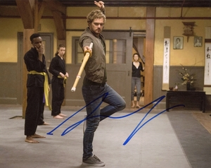Finn Jones Signed 8x10 Photo