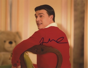 Finn Wittrock Signed 8x10 Photo - Video Proof