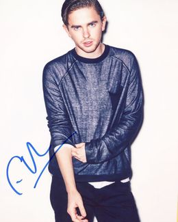 Freddie Highmore Signed 8x10 Photo