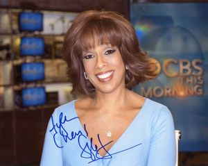 Gayle King Signed 8x10 Photo