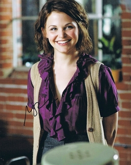Ginnifer Goodwin Signed 8x10 Photo - Video Proof