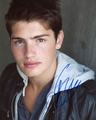Gregg Sulkin Signed 8x10 Photo - Video Proof