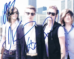 Hot Chelle Rae Signed 8x10 Photo